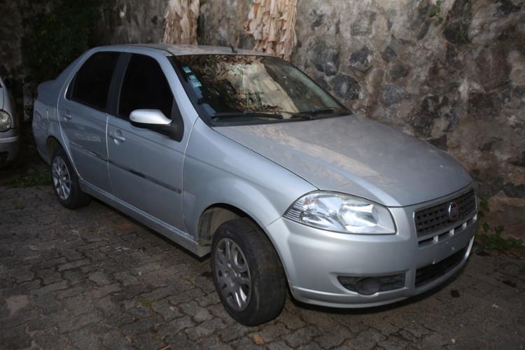 Polícia encontrou carro igual ao utilizado pelos criminosos - Foto: Joá Souza | Ag. A TARDE