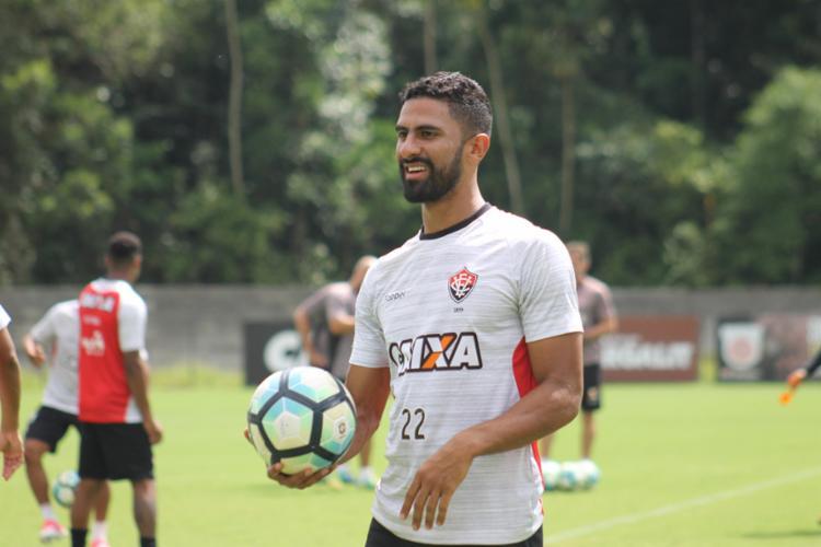 Atacante tem presença garantida contra o Grêmio - Foto: Maurícia da Matta | EC Vitória