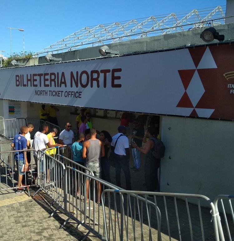 Torcedores foram à Fonte para se garantir no jogo contra o Galo - Foto: Daniel Dórea | Ag. A TARDE
