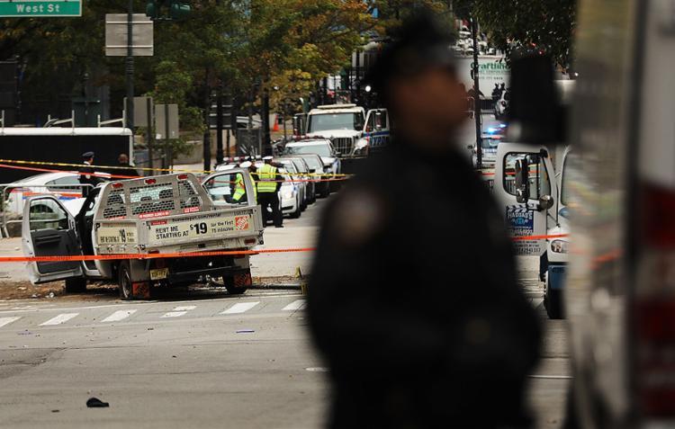 Equipes fazem inspeção em local de ataque em Manhattan - Foto: Spencer Platt l AFP