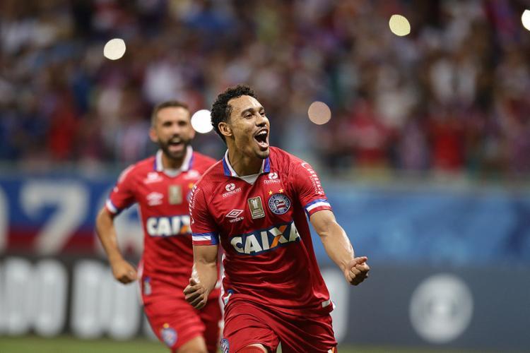 Edigar Junio voltou a brilhar e marcou dois gols diante do Galo - Foto: Raul Spinassé l Ag. A TARDE
