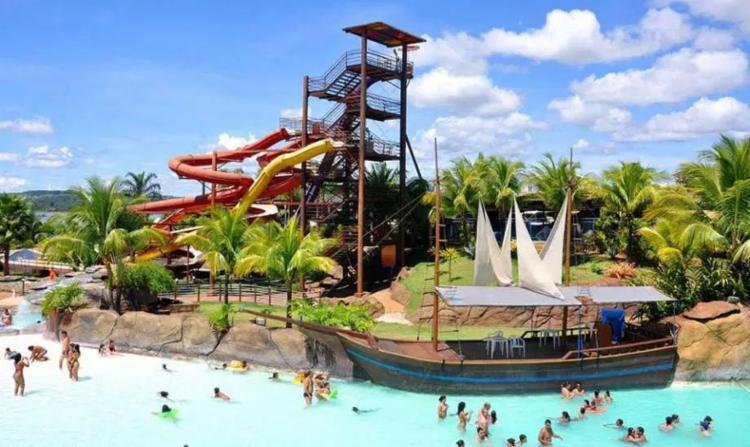 O toboágua é uma das principais atrações do parque aquático - Foto: Divulgação