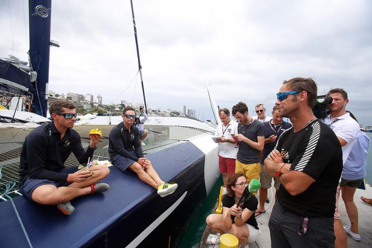 Campeões da categoria mais rápida no barco Sodebo Ultim - Foto: Raul Spinassé l Ag. A TARDE