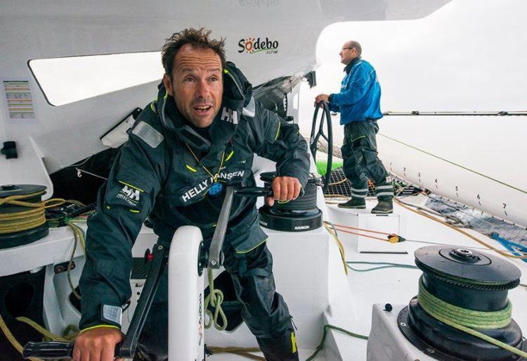 Tomas Coville e Jean-Luc Nélias comandaram o veleiro Sodebo Ultim' - Foto: Reprodução | Twitter