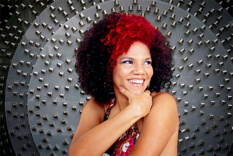 Historiadora por formação, Juliana se encantou com a trajetória de Quelé - Foto: Rocharte | Divulgação