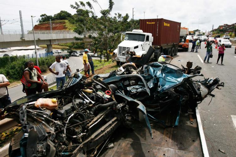 De 2000 a 2017, 12 mil pessoas morreram ao se envolver em acidentes de carro - Foto: Xando Pereira | Ag. A TARDE | 31.08.2016