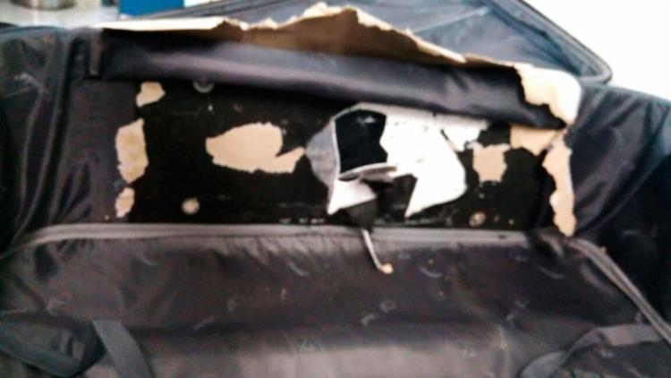 A droga estava escondida em um compartimento falso da bagagem da mulher - Foto: Divulgação | Polícia Federal