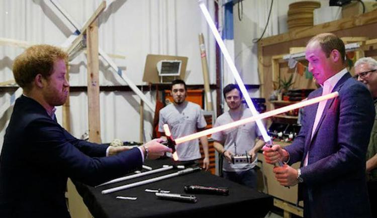 Os irmãos aparecerão como stormtroopers no filme - Foto: Reprodução | The Hollywood Reporter
