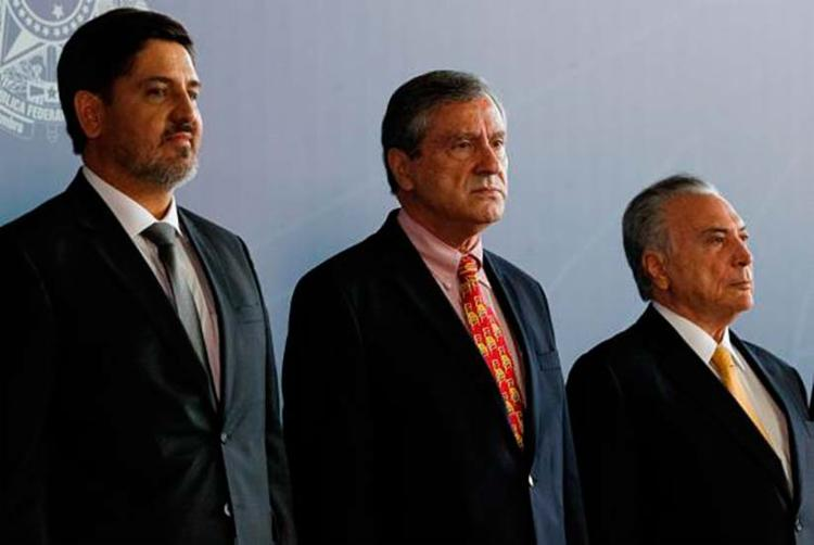 Segóvia ao lado do ministro Torquato Jardim e do presidente Michel Temer - Foto: Marcos Corrêa   Agência Brasil