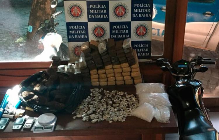 Drogas foram encontradas em uma casa na rua das Águias - Foto: Divulgação   SSP-BA