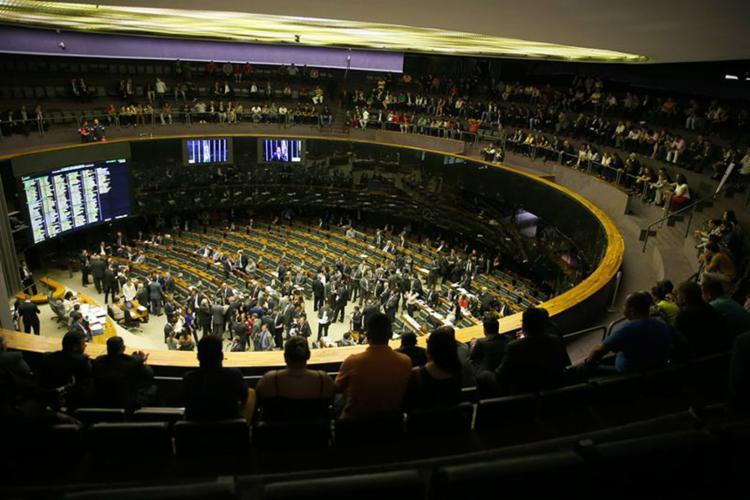 Mesmo sem os números fechados, o interesse dos parlamentares já superou a mobilização pela MP 793 que registrou 745 emendas - Foto: Wilson Dias l Agência Brasil