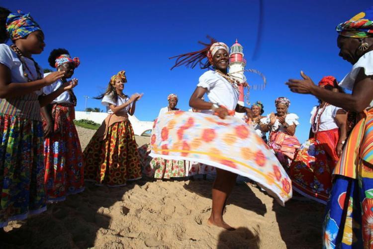 Grupo cultural é a principal atração do espetáculo na Caixa Cultural - Foto: Joá Souza   Ag. A TARDE
