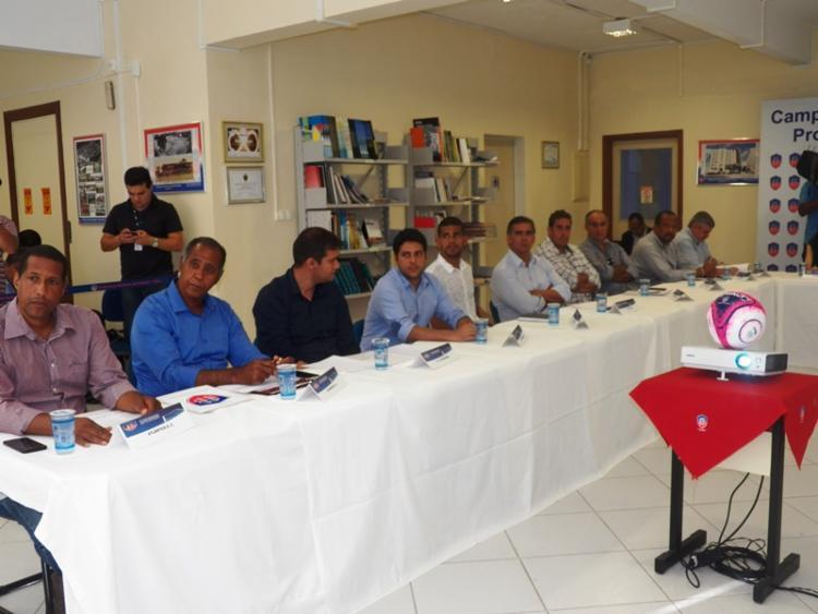 Representantes dos 10 clubes participaram da reunião - Foto: FBF | Divulgação