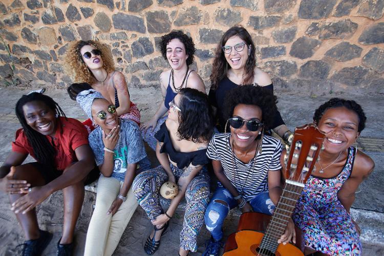O coletivo traz formações diferentes em todas as apresentações e promove uma rede de circulação de mulheres artistas - Foto: Margarida Neide l Ag. A TARDE