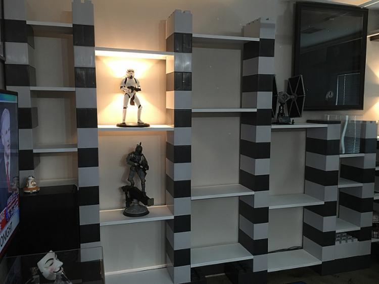 """Estante de """"legos"""" deixa decoração mais descontraída - Foto: Everblock l Divulgação"""