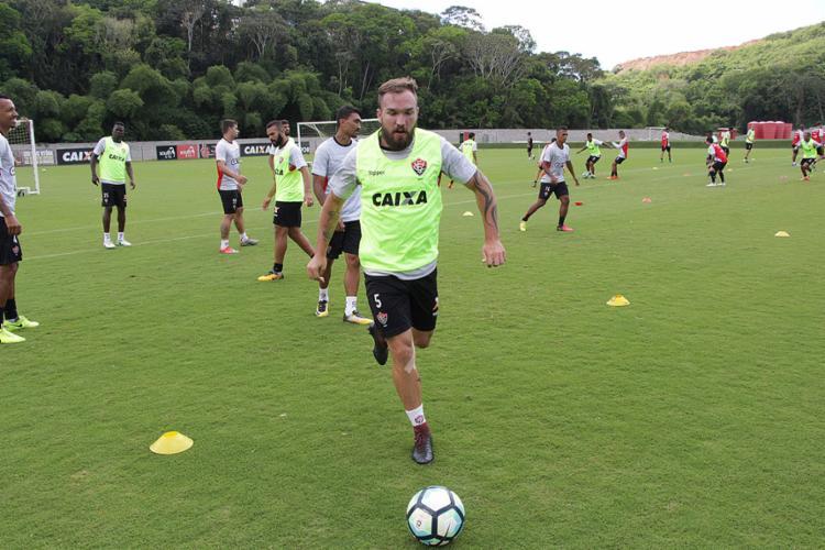 Vágner Mancini confirmou a presença do volante no banco em São Paulo - Foto: Moysés Suzart l EC Vitória