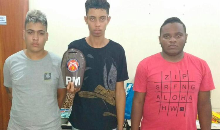 Trio foi encaminhado à Delegacia de Repressão a Furtos e Roubos de Veículos - Foto: Divulgação | SSP