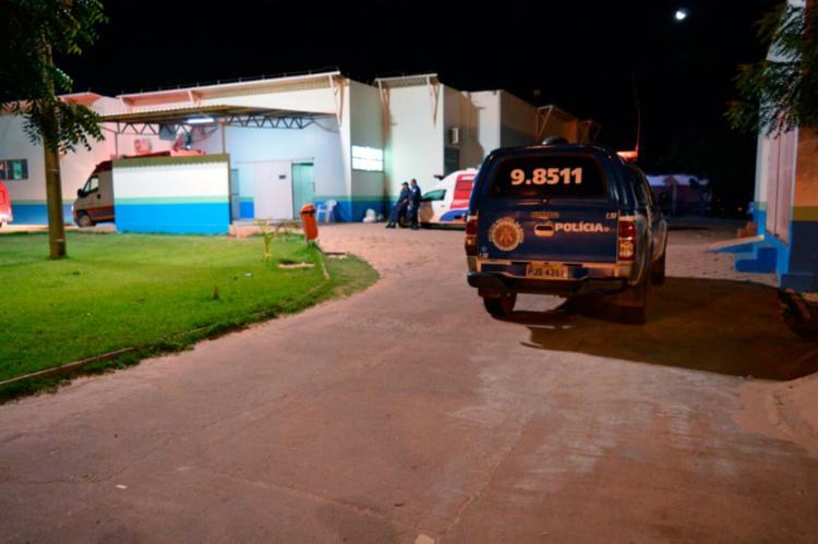 A vítima foi transferida para o Hospital do Oeste na madrugada deste domingo, 26 - Foto: Élvis Araujo | Blog Braga