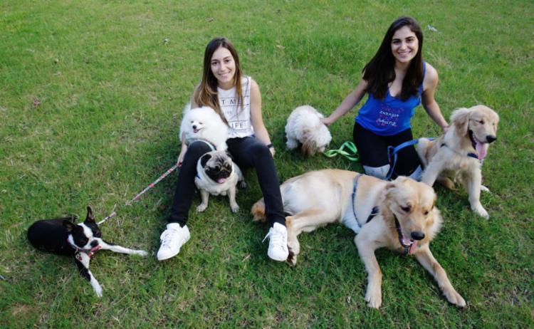 As irmãs Ana Rosa e Ana Luiza planejam abrir creche para cães - Foto: Mila Cordeiro | Ag. A TARDE