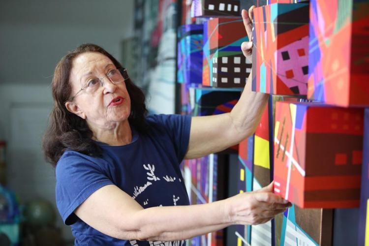 Maria Adair vai comemorar os 80 anos com uma exposição e uma autobiografia - Foto: Joá Souza / Ag. A TARDE