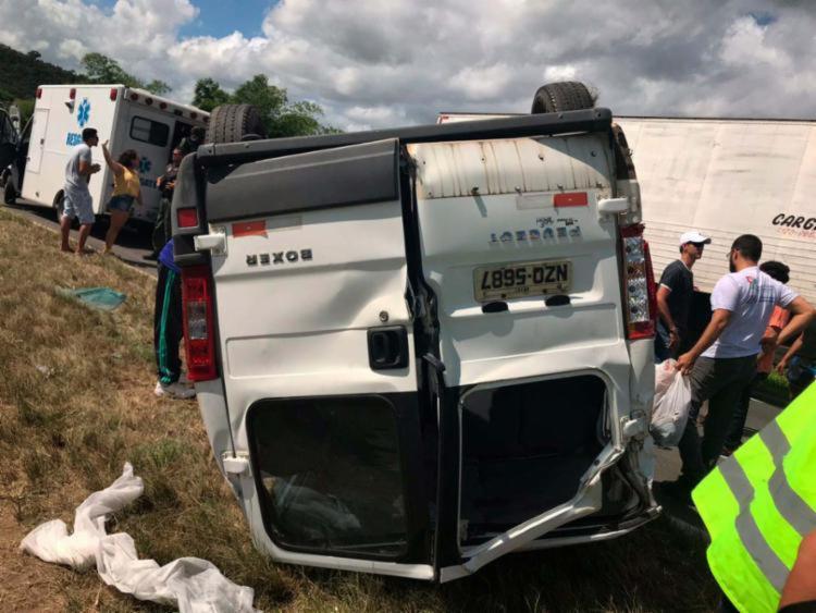 Uma pessoa morreu e outras seis ficam feridas no acidente - Foto: Divulgação   SSP-BA