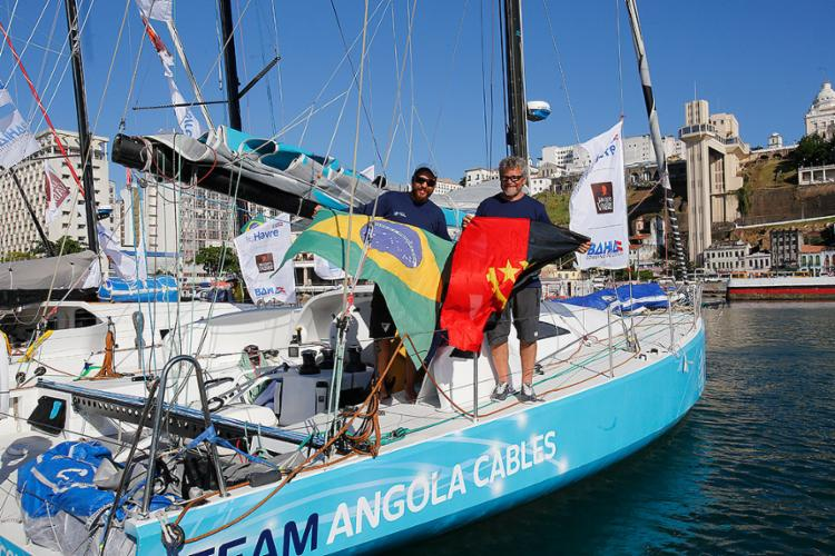 Baiano Leonardo Chicourel e angolano José Guilherme Caldas completaram a regata em dupla - Foto: Margarida Neide l Ag. A TARDE