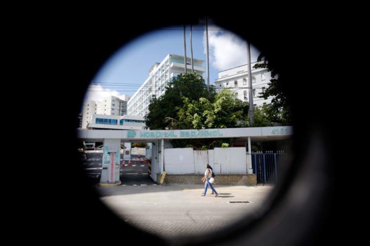 Fechada desde 2014, unidade de saúde tem rumo ainda indefinido - Foto: Raul Spinassé | Ag. A TARDE | 21.06.2017
