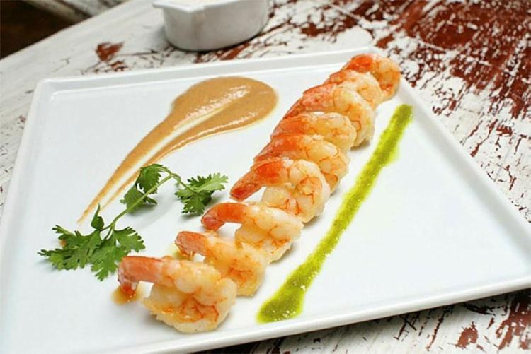 Receita de camarão com molho de mangaba que será apresentado no festival - Foto: Marcus Claussen | Divulgação