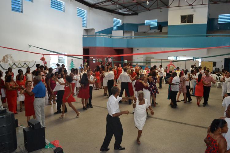 A dança de salão está entre as atividades - Foto: Divulgação   Sudesb