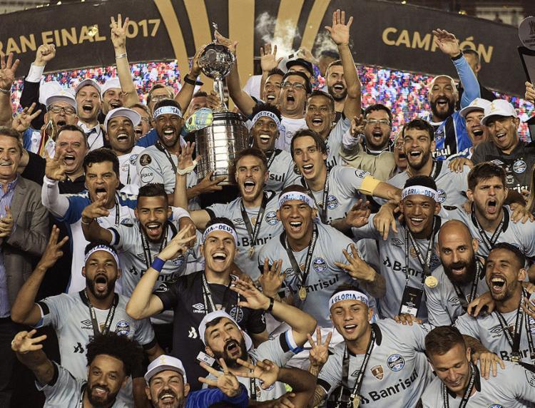 Tricolor gaúcho iguala o número de conquistas de São Paulo e Santos com título sobre argentinos - Foto: Juan Mabromata l AFP