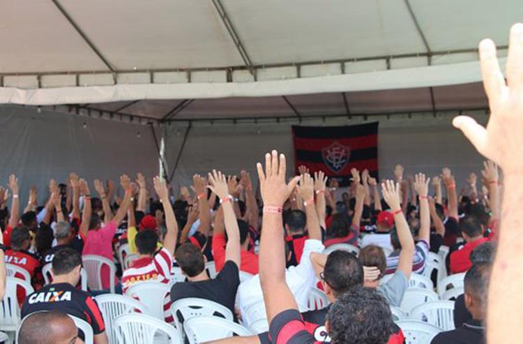 Sócios e torcedores rubro-negros desejam um 2018 mais empolgante - Foto: Maurícia da Matta l EC Vitória
