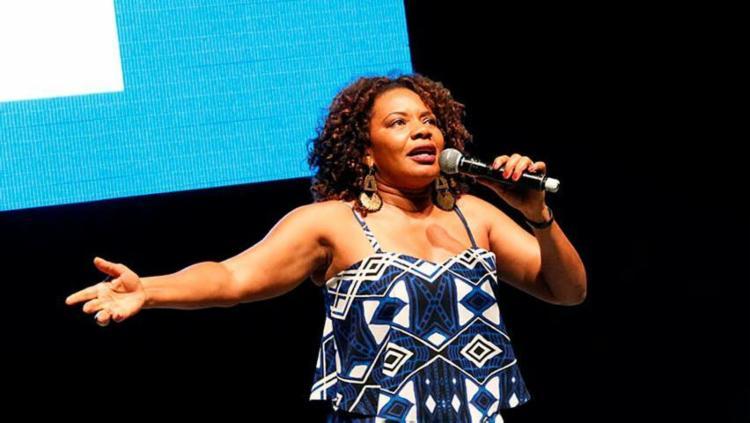 Margareth Menezes abriu o evento e animou o público - Foto: Margarida Neide | Ag. A TARDE