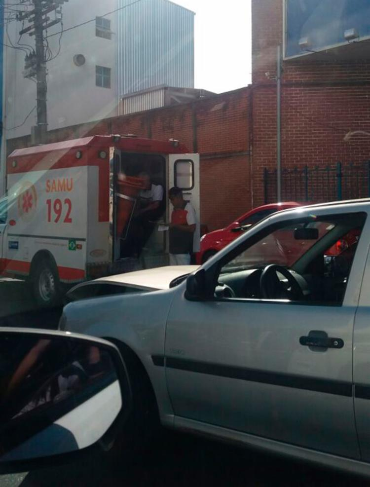 Samu foi acionado para prestar atendimento a vítima - Foto: Cátia Milena
