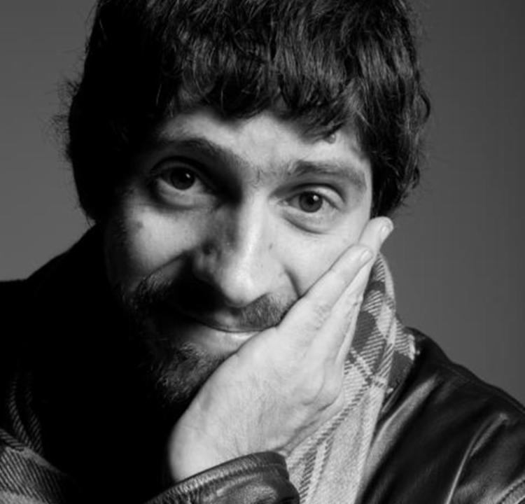 Gabriel Bá já ganhou cinco vezes o prêmio Eisner, maior premiação da área dos quadrinhos - Foto: Reprodução | Facebook