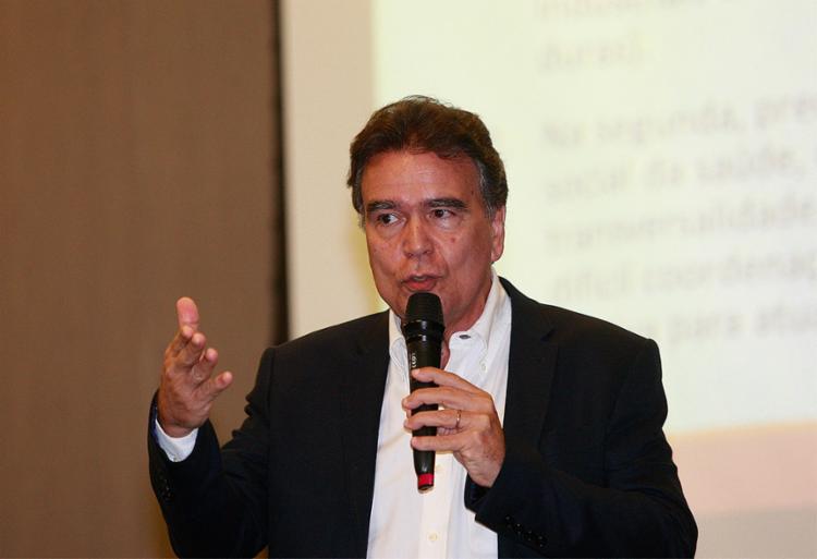 Texto foi exposto pelo ex-ministro José Temporão - Foto: Alessandra Lori l Ag. A TARDE