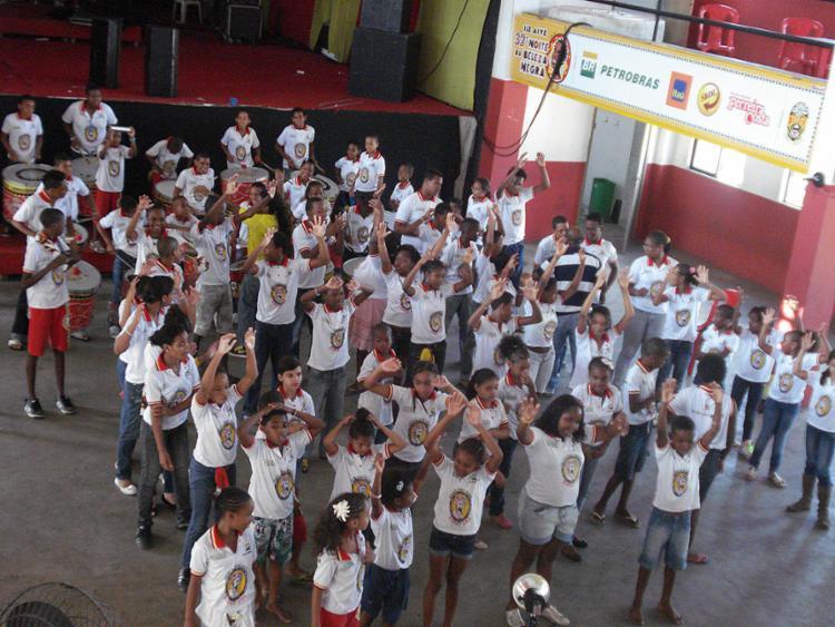 Alunos da Band'Erê, atividade da agremiação que forma jovens em música e está parada desde o ano passado - Foto: Divulgação