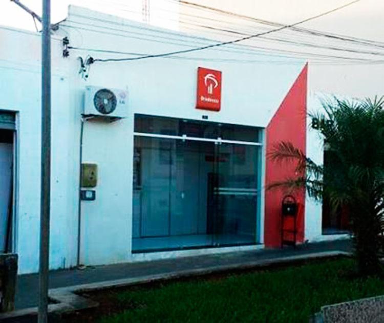 Bandidos tentaram roubar correspondente do banco Bradesco - Foto: Reprodução | Blog Penachinho News