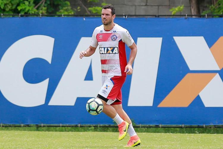 Zagueiro saiu de campo machucado contra a Macaca - Foto: Marcelo Malaquias | EC Bahia