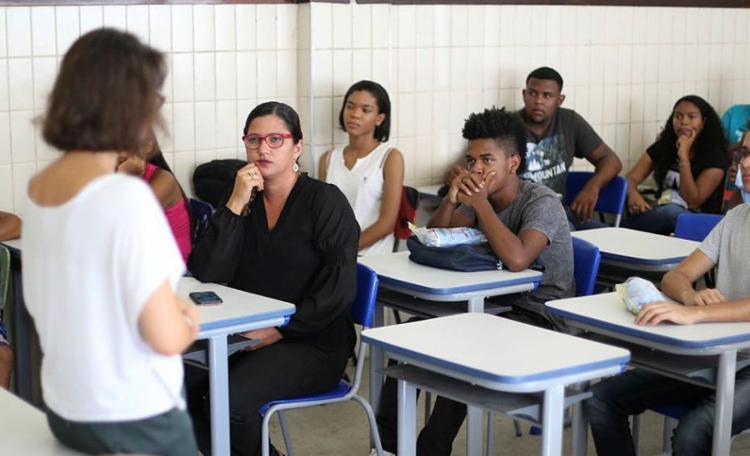 Estudo aponta que 39,5% dos formandos em licenciatura estão trabalhando na sua área de atuação - Foto: Raul Spinassé | Ag. A Tarde | 11.09.2017
