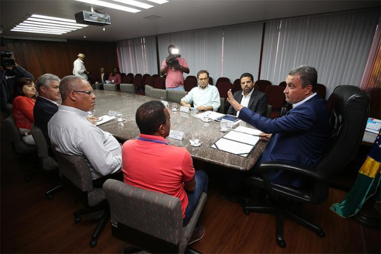 Governador Rui Costa se reuniu com dirigentes da APLB nesta quarta-feira - Foto: Mateus Pereira l Gov-BA
