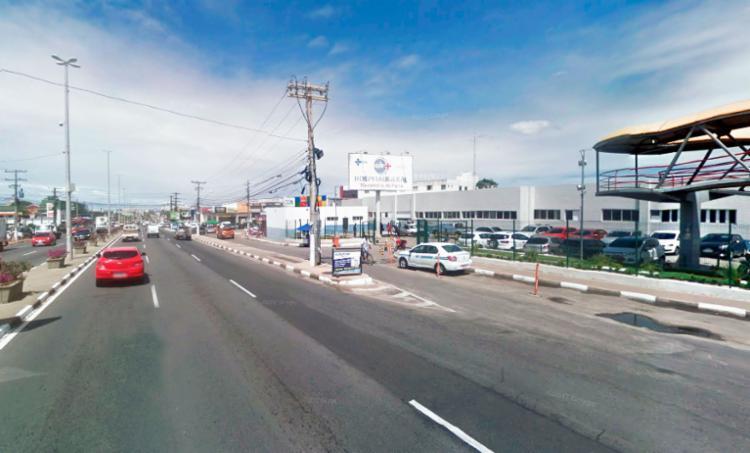 O protesto acontece nas proximidades do Hospital Menando de Farias, em Laudo de Freitas - Foto: Reprodução | Google Maps