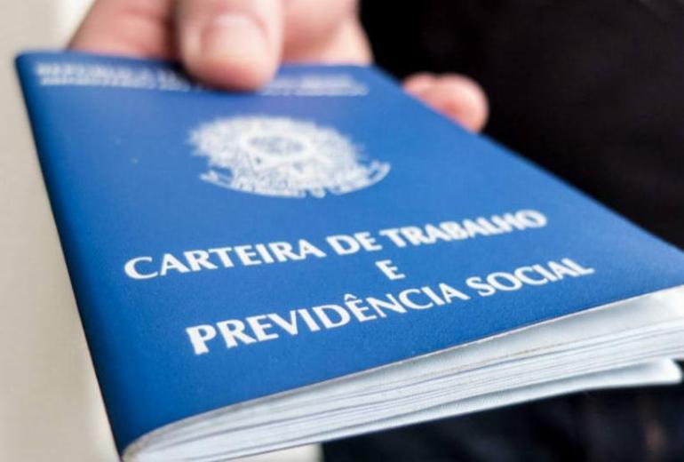 Brasil abre 76.599 vagas de emprego formal em outubro