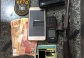 Homem e adolescente são apreendidos suspeitos de roubar um carro em Simões Filho | Foto: Divulgação | SSP