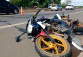 Motociclista morre após atropelar pedestre na Estrada do Cia-Aeroporto | Foto: Adilton Venegeroles | Ag. A TARDE