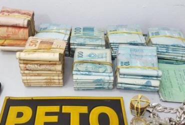 Mototaxista é preso com R$ 74 mil em espécie em Teixeira de Freitas