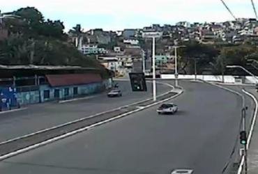 Trânsito é liberado na Av. San Martin após reparo em rede distribuidora