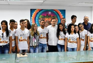 """Estudantes visitam Salvador por conta do projeto """"Aluno Nota 10"""""""