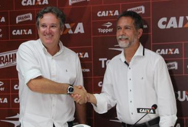 Damiani é oficialmente apresentado e confirma a saída de cinco jogadores