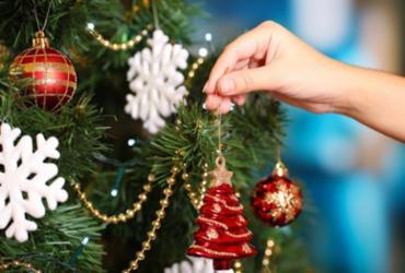 Domingo é dia de montar a árvore para a festa de Natal   Divulgação