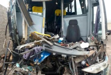 Motorista morre e nove passageiros ficam feridos em acidente com ônibus | Divulgação | PRF